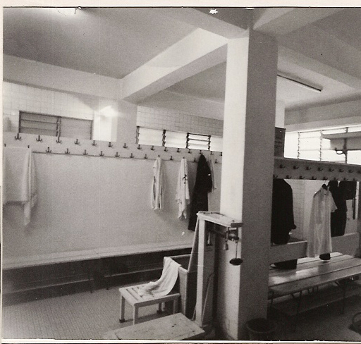 changing-room-001