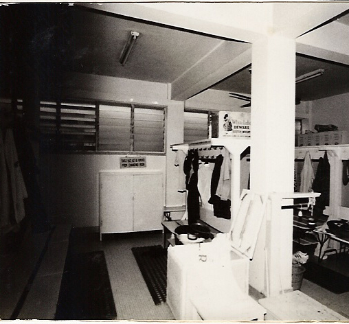 changing-room-002