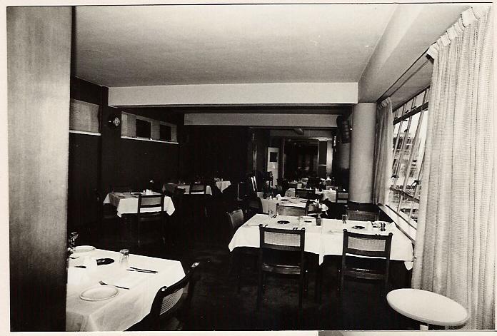 dining-room-001