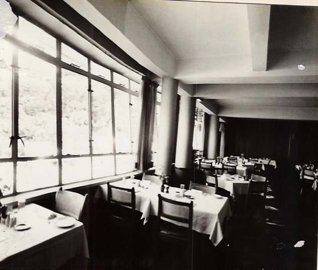 dining-room-003