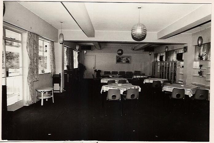 dining-room-overflow-003
