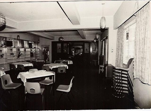 dining-room-overflow-004