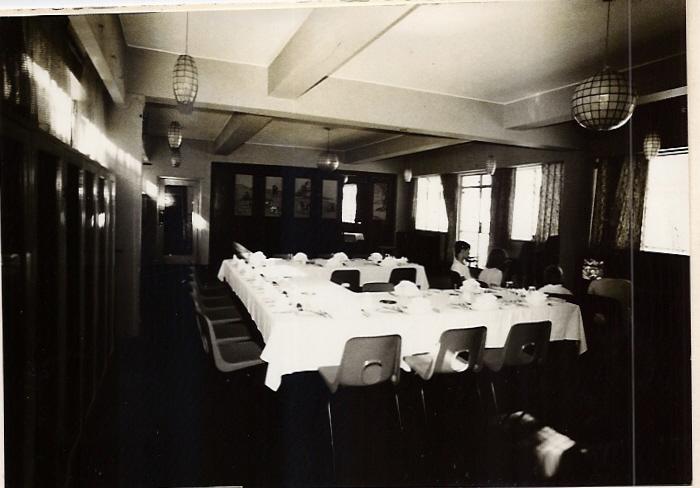 dining-room-overflow-005