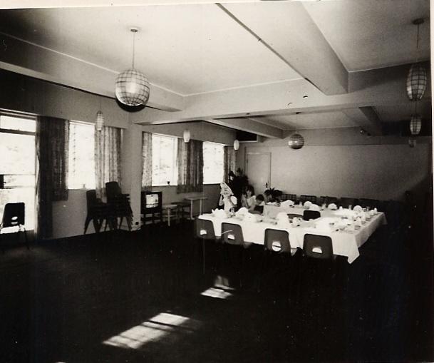 dining-room-overflow-006